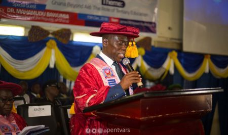 """Do not be discouraged by any present passing difficulty""- Rector tells 2018 Graduating Class"