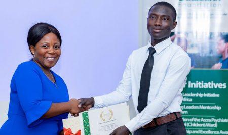 Kotoku Daniel Serlom wins Databank Leadership and Excellence Award
